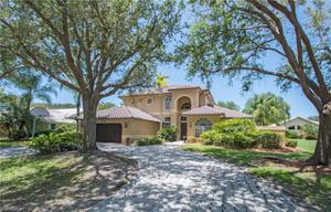 5831 Cinzano Ct, Naples, FL 34119