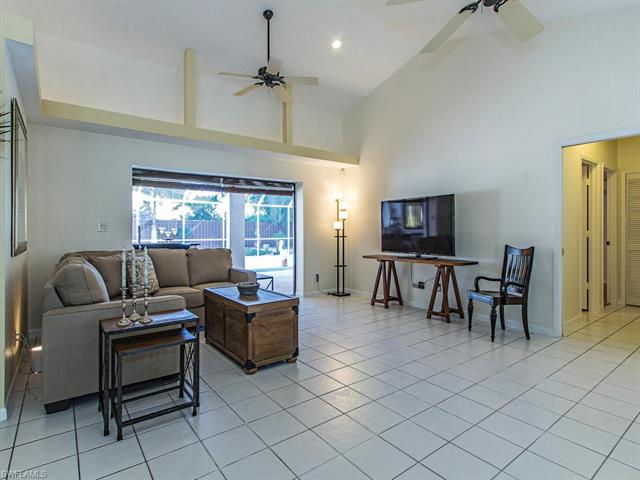 146 Westwood Dr, Naples, FL 34110