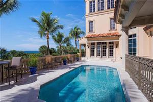 7621 Bay Colony Dr, Naples, FL 34108