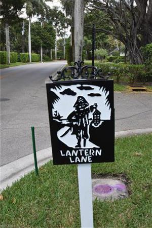 2545 Lantern Ln, Naples, FL 34102