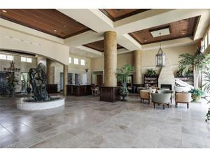 700 La Peninsula Blvd 406, Naples, FL 34113