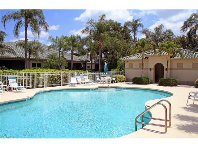 813 Vistana Cir, Naples, FL 34119