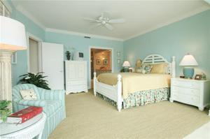 4500 Gulf Shore Blvd N 1-111, Naples, FL 34103