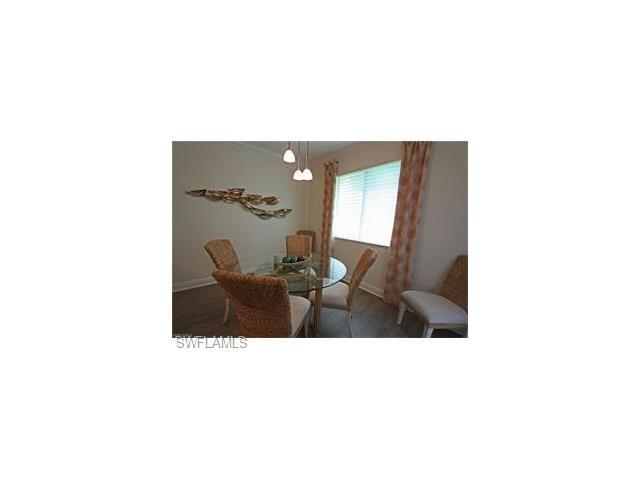 1055 Sandpiper St H-102, Naples, FL 34102