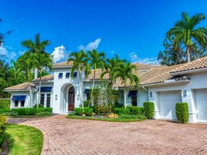 586 West Pl, Naples, FL 34108