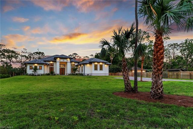2900 Golden Gate Blvd, Naples, FL 34117