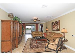 10450 Smokehouse Bay Dr 201, Naples, FL 34120