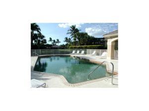 2312 Island Cove Cir, Naples, FL 34109