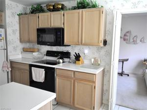 654 Wiggins Lake Dr 101, Naples, FL 34110