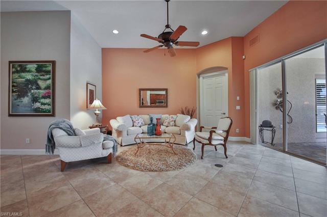 9176 Quartz Ln, Naples, FL 34120