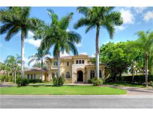 6447 Highcroft Dr, Naples, FL 34119