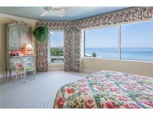 8231 Bay Colony Dr 703, Naples, FL 34108