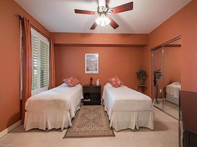 300 Dunes Blvd 1003, Naples, FL 34110