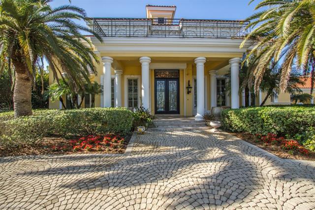 13601 Pondview Cir, Naples, FL 34119