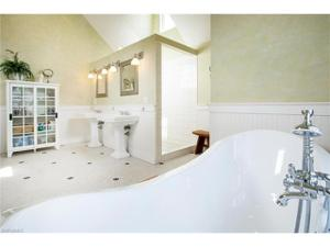 2750 Treasure Ln, Naples, FL 34102