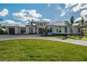 594 Yucca Rd, Naples, FL 34102