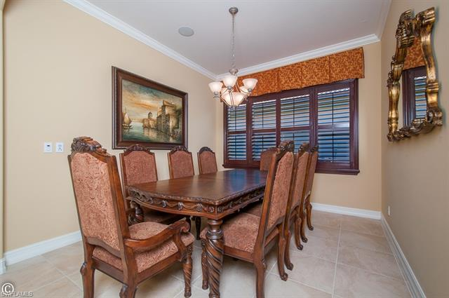 6114 Wedge Ct, Naples, FL 34113