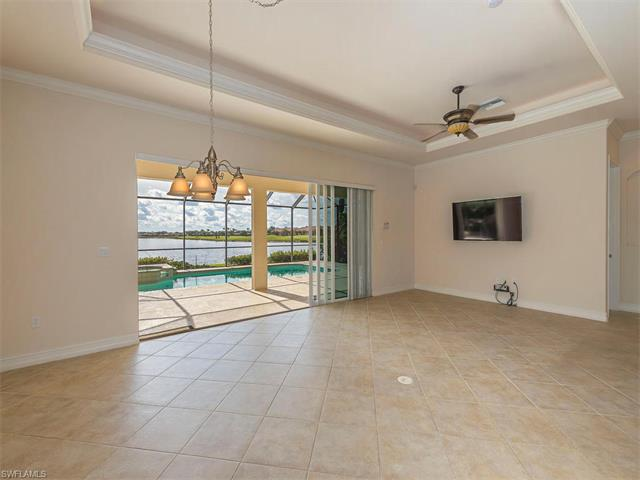10418 Smokehouse Bay Dr, Naples, FL 34120
