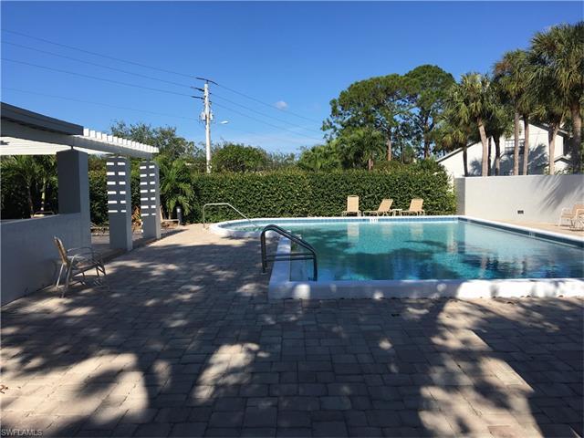 871 Meadowland Dr D, Naples, FL 34108