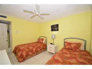 1295 Gulf Shore Blvd S 223, Naples, FL 34102