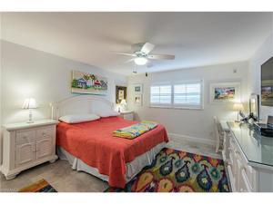 3450 Gulf Shore Blvd N 104, Naples, FL 34103