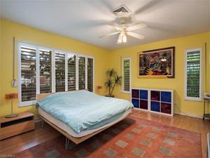333 15th Ave S, Naples, FL 34102