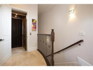 2305 Residence Cir 202, Naples, FL 34105