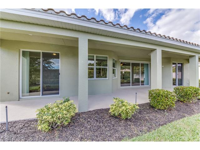19679 Green Oak Dr, Fort Myers, FL 33908