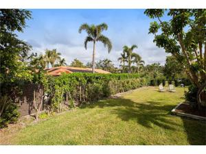 747 Park Shore Dr, Naples, FL 34103