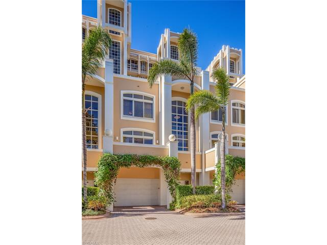 7053 Pelican Bay Blvd V-4, Naples, FL 34108