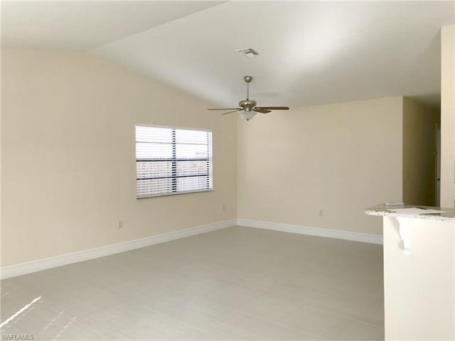 857 107th Ave N, Naples, FL 34108