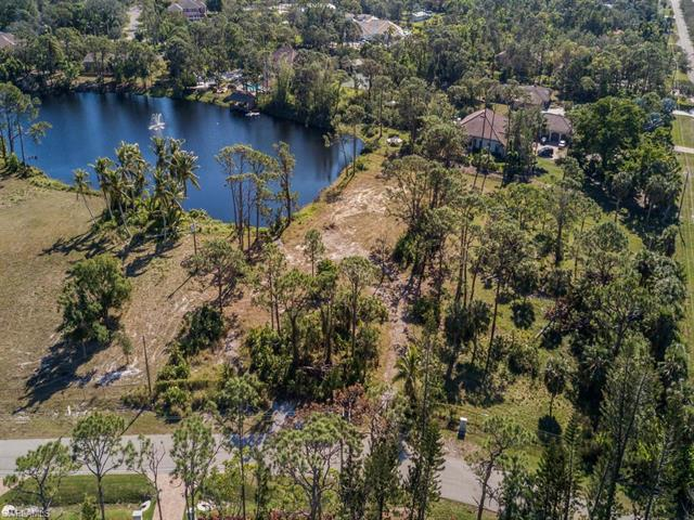 4 Center St, Naples, FL 34108