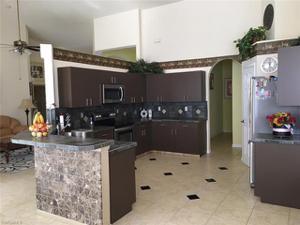 7553 Citrus Hill Ln, Naples, FL 34109