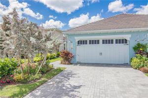 7186 Dominica Dr, Naples, FL 34113