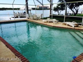 12 Pelican St W, Naples, FL 34113