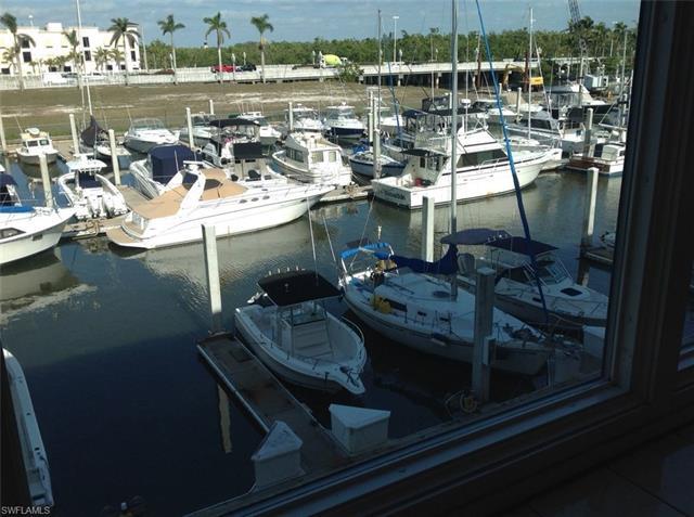 803 River Point Dr 202b, Naples, FL 34102