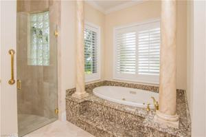 313 Chancery Cir, Naples, FL 34110