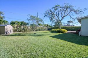 719 96th Ave N, Naples, FL 34108