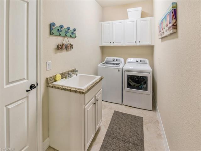 28111 Edenderry Ct, Bonita Springs, FL 34135