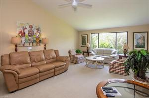 608 Courtside Dr F-203, Naples, FL 34105