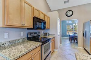 132 28th Ter, Cape Coral, FL 33914