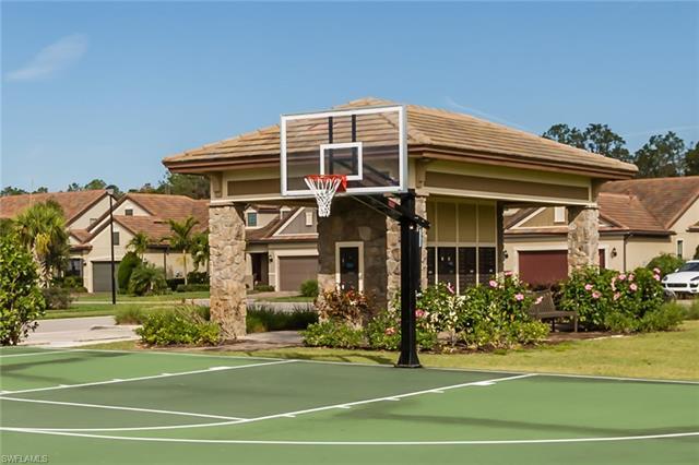 16361 Camden Lakes Cir, Naples, FL 34110