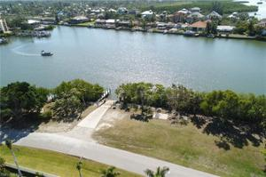 26 3rd St, Bonita Springs, FL 34134