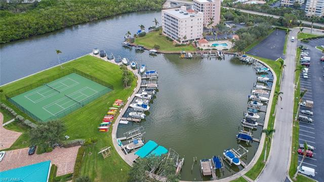 25 Bluebill Ave 1002, Naples, FL 34108
