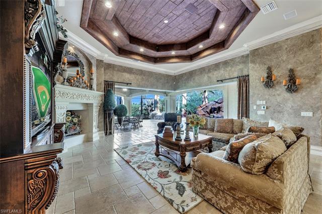 6411 Highcroft Dr, Naples, FL 34119