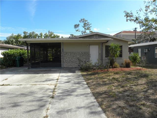 980 Rosemary Ln, Naples, FL 34103