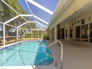 24988 Fairwinds Ln, Bonita Springs, FL 34135
