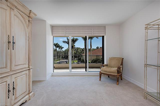 7425 Pelican Bay Blvd 203, Naples, FL 34108