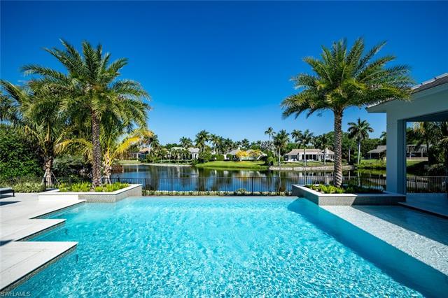 325 Kings Town Dr, Naples, FL 34102