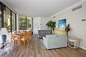 788 Park Shore Dr G12, Naples, FL 34103